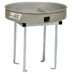 Circular foal feeder without yard