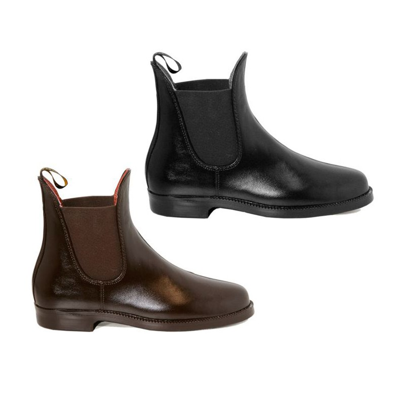 This men's rubber jodhpur boot is part of the Duke of Wellington by Hunter Field collaboration. Working with the Duke of Wellington's family, Hunter has referenced historic pieces to create an all-purpose equestrian collection that fuses technological advances with heritage design.